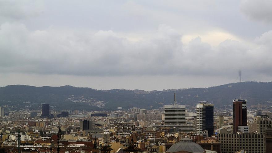 La ciutat de Barcelona incompleix els límits de contaminació de l'aire. / CC by sofiabarrera (Flickr)
