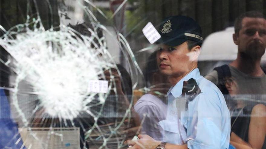Al menos 15 detenidos por las protestas en Hong Kong y el asalto al Parlamento