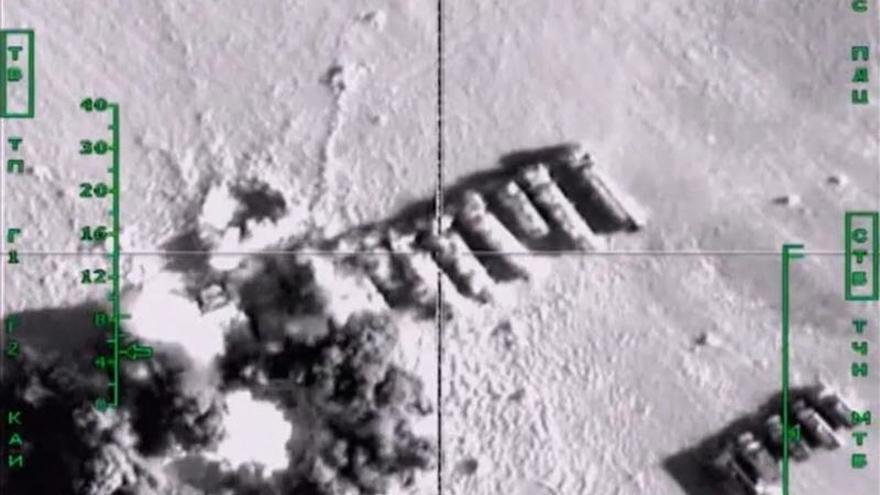 """Francia considera """"algo bueno"""" que ahora Rusia bombardee al EI en Siria"""