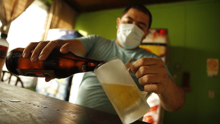 """El Salvador se prepara para la entrada en vigor de la """"ley seca"""" por las elecciones"""
