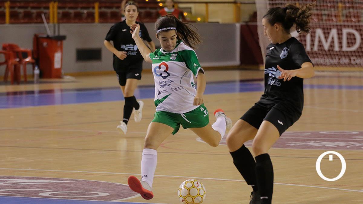 África Lozano, ante el Cádiz en la anterior temporada