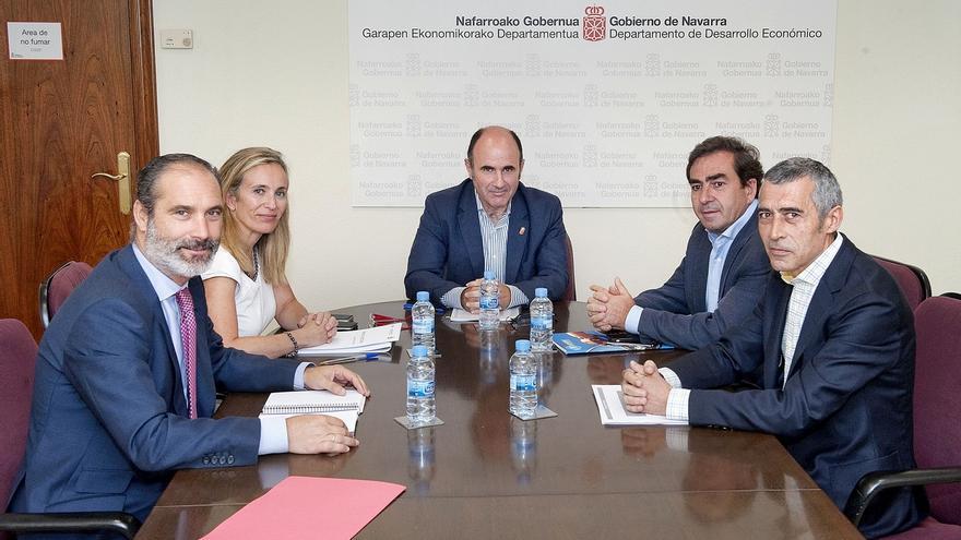 Ayerdi aborda con la Asociación de Empresarios de Sakana las perspectivas de la comarca