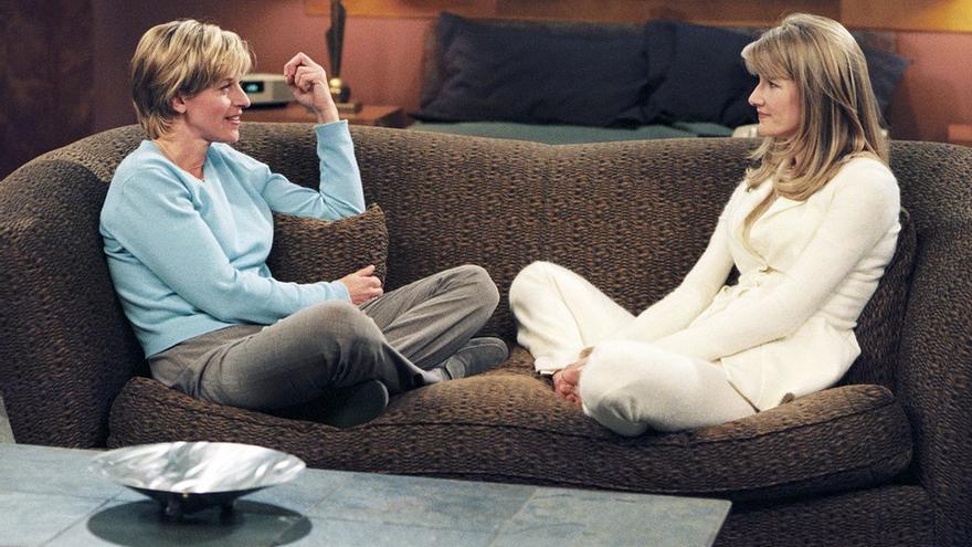 Ellen DeGeneres y Laura Dern, su pareja sentimental en 'Ellen'