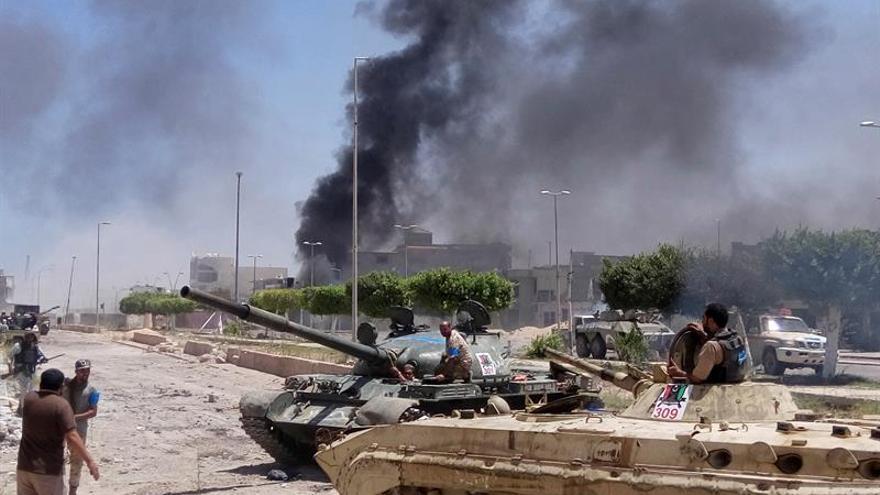 Milicias afines al Gobierno de unidad libio intentan recuperar zona petrolera