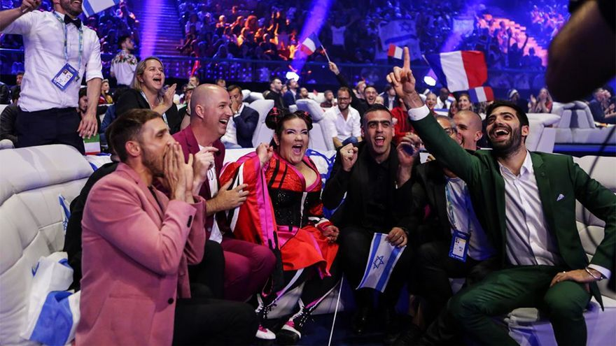 Netta y la delegación de Israel en Eurovisión 2018