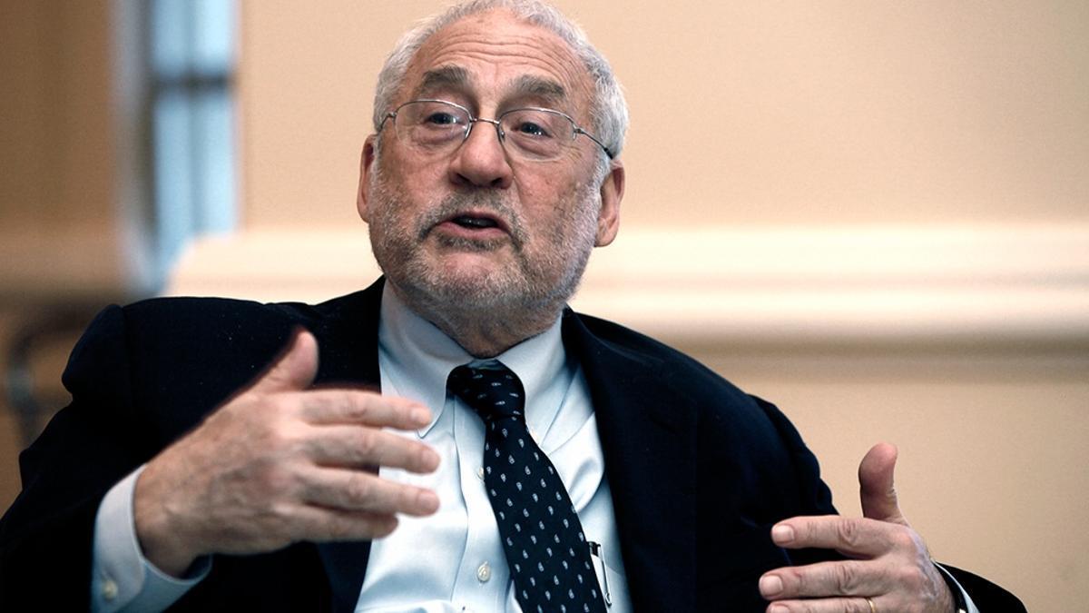 El premio Nobel de Economía Joseph Stiglitz, mentor del ministro de Economía, Martín Guzmán