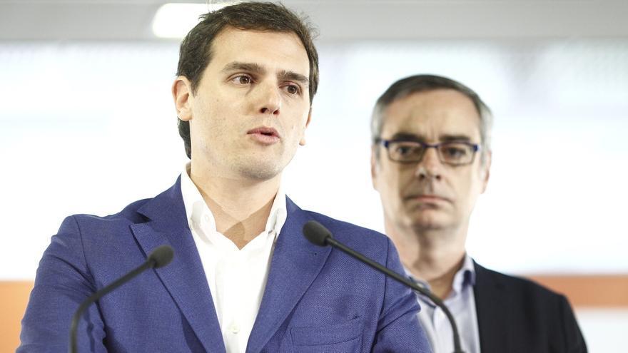 """Rivera: """"La pregunta es si Cifuentes es capaz de romper con ese PP de Madrid y abrir una etapa limpia"""""""