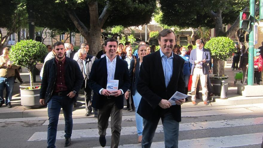 """Hernando (PP) pide a los partidos dejar su """"complejos nacionalistas o ideológicos"""" para unirse al pacto antiyihadista"""