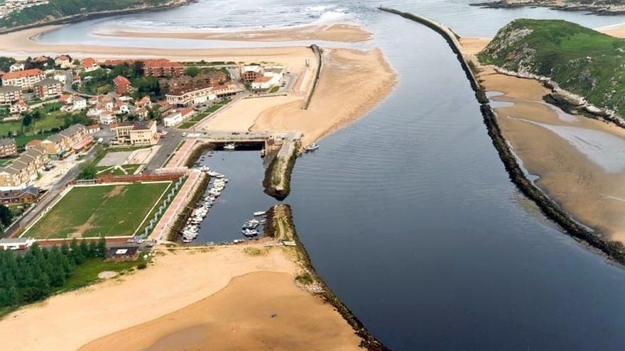 Imagen aérea del Puerto de Suances.