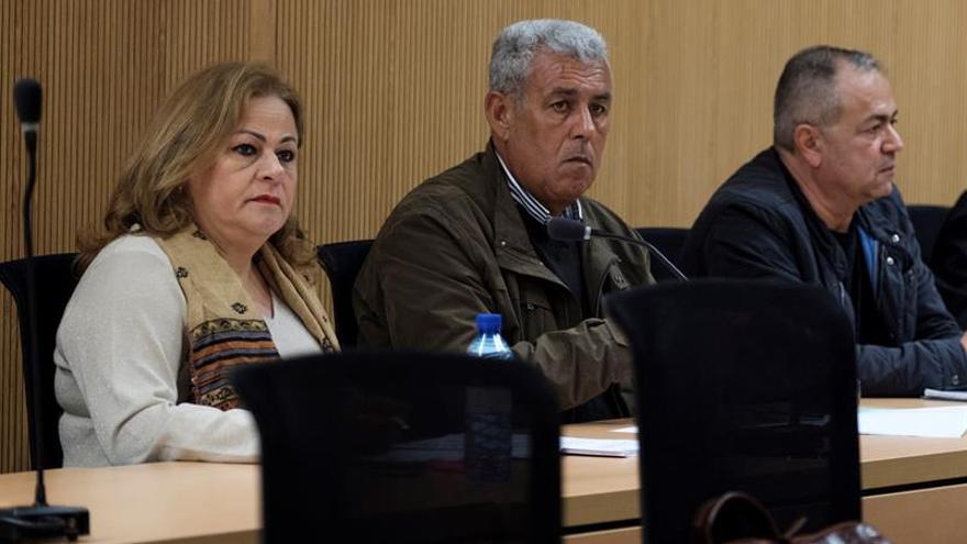 María del Carmen Castellano, exalcaldesa de Telde, y el exjefe de Urbanismo José Luis Mena. (EFE/Ángel Medina G.)