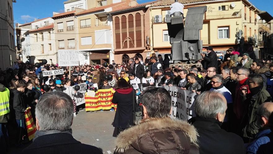 Manifestación contra el cierre de la central térmica de Andorra.