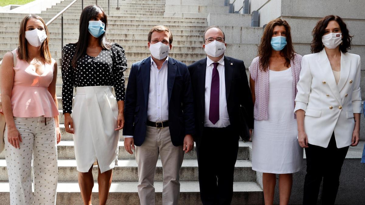 Todas las autoridades madrileñas junto al ministro de Cultura el día en que se falló la declaración de Patrimonio Mundial de la Unesco.