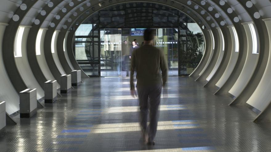 Túnel que une los edificios del Gobierno vasco, en Vitoria