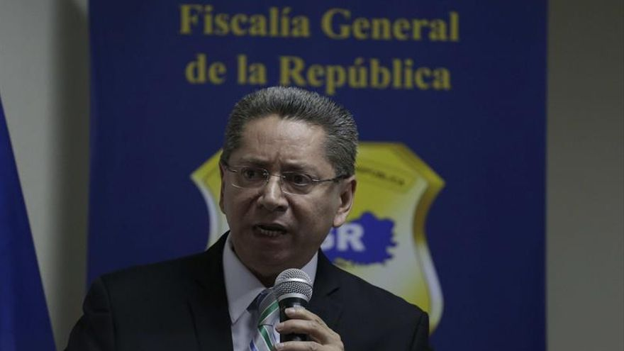 El Congreso salvadoreño envía a una comisión el listado de aspirantes a fiscal general
