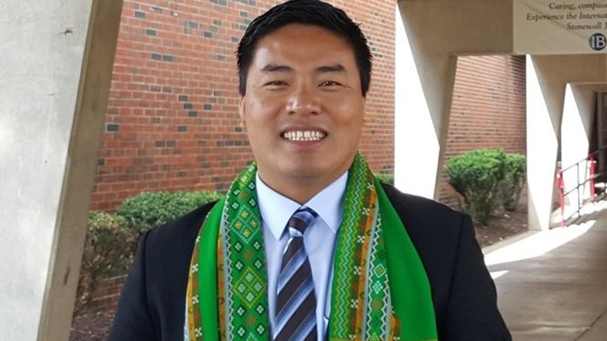 Salai Maung Taing San, conocido como Dr Sasa, fue nombrado por el Comité de Representantes de la Asamblea de la Unión.