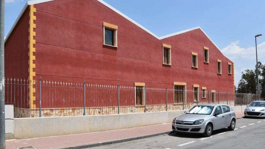 El Gobierno de Murcia lleva medio año sin demoler un edificio que podría ser ilegal