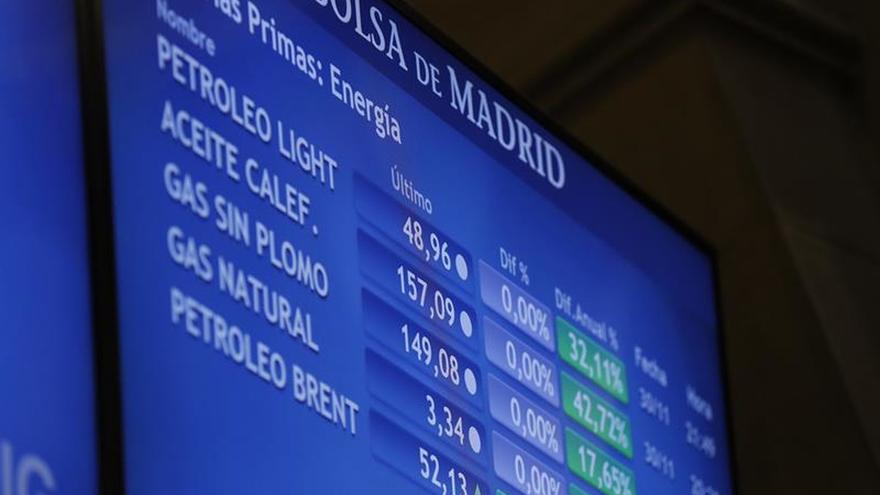 La Bolsa española cae el 0,56 %, pero mantiene los 8.600 puntos