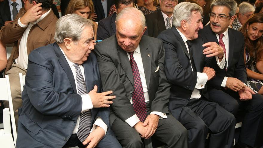 Saavedra, Fernández, Hermoso y Rodríguez en la toma de posesión de Clavijo (ALEJANDRO RAMOS)