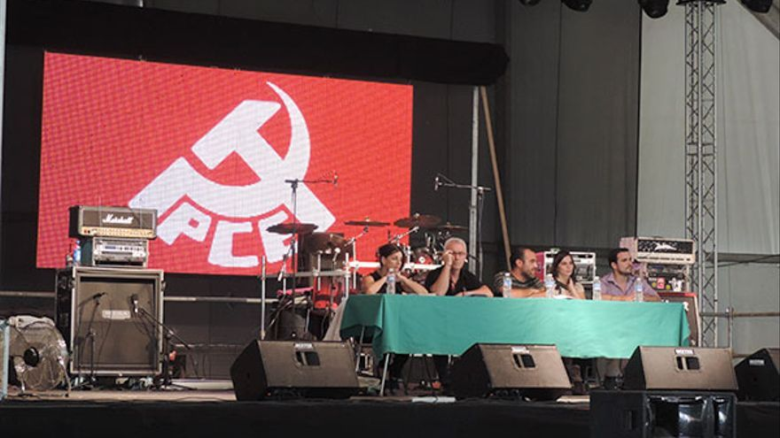 Yolanda González, Cayo Lara, José Manuel Mariscal, Anabel Gracia y Alberto Garzón, en la fiesta del PCE 2014. / PCE