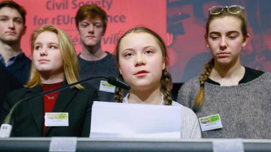 La joven activista de 16 años sueca Greta Thunberg, en un momento de su intervención en la conferencia organizada por el Consejo Económico y Social Europeo en Bruselas. EFE