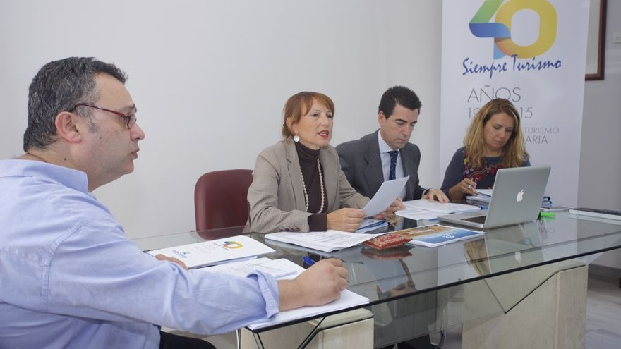 La consejera Inés Jiménez presidiendo la Junta Rectora del Patronato de Turismo de Gran Canaria