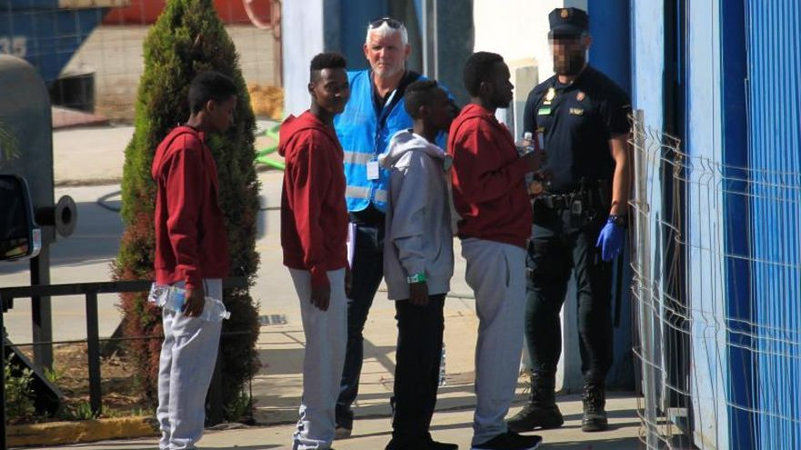 Desembarcan en Algeciras los 87 inmigrantes del barco Open Arms