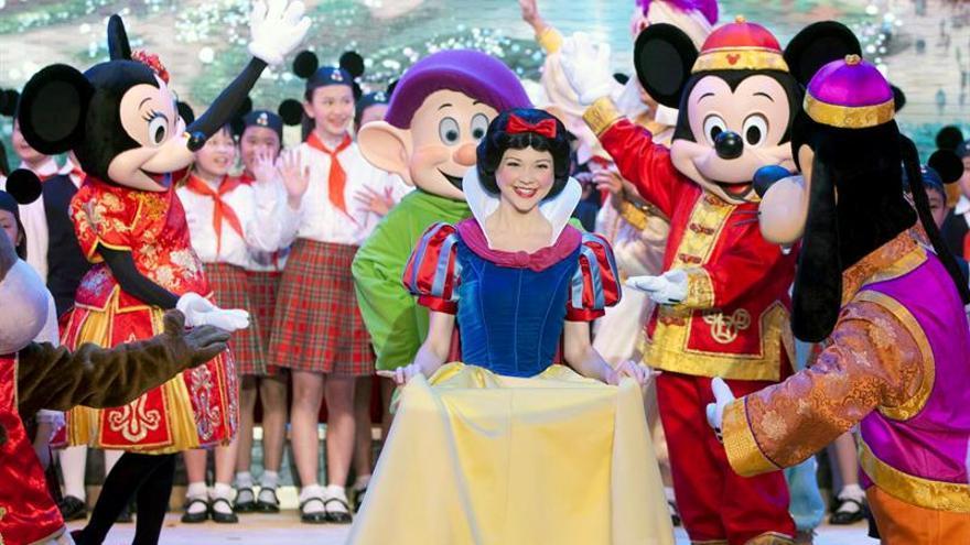 Largas colas en Disneyland Shanghai ya en su periodo de pruebas