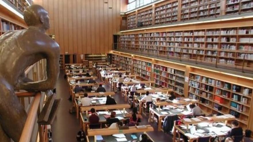 El tamaño de una tesis varía entre las 200 páginas (propias de las ciencias básicas) a las 1.000 (más habituales en las ciencias sociales).