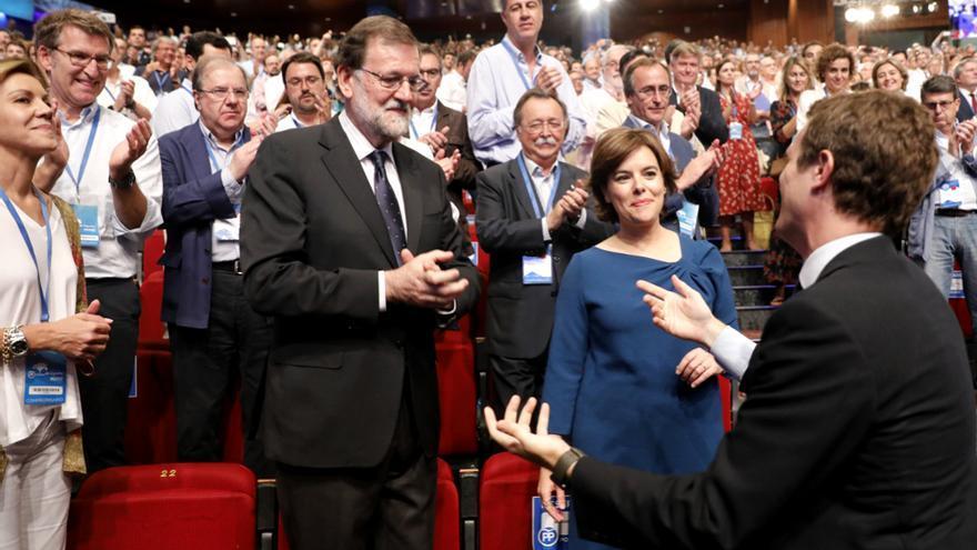 Casado saluda a su predecesor en el cargo