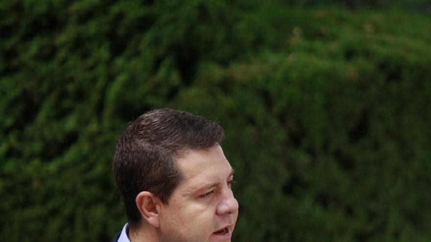 """Page pregunta a Cospedal si se quedará a hacer oposición y a """"defender su herencia"""" si pierde las elecciones"""