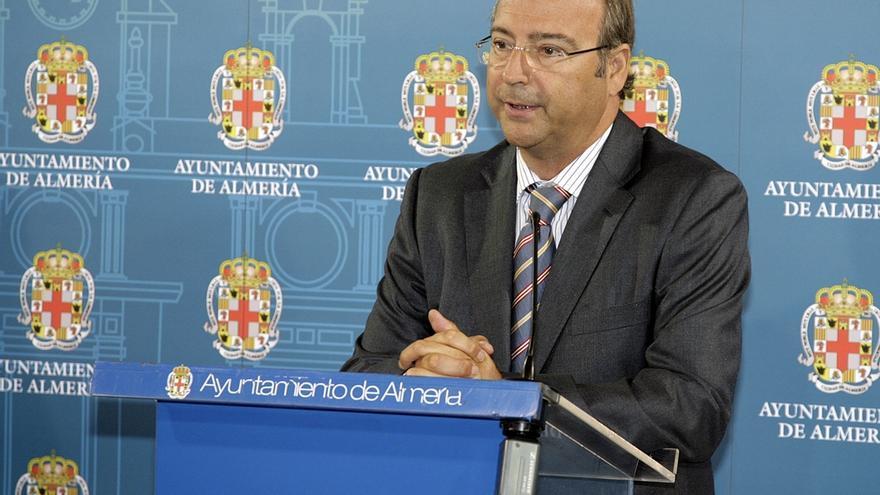 Rodríguez-Comendador se confirma como número uno al Senado y entra Eloísa Cabrera en la lista al Congreso