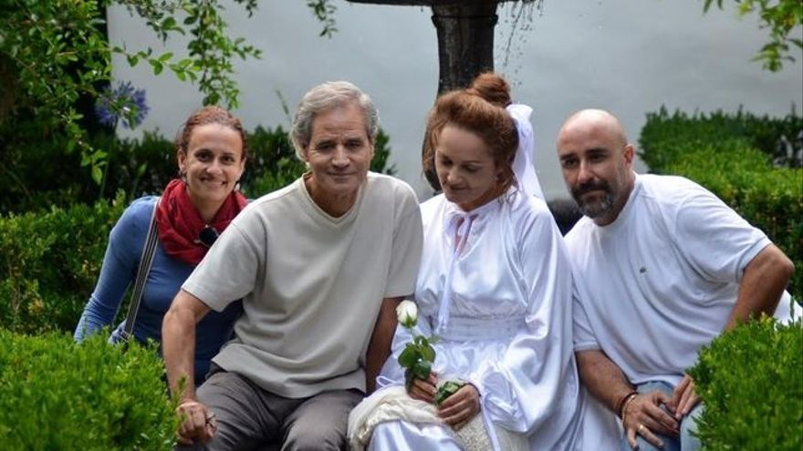 La escritora Sandra Lorenzo, el músico Luis Morera, la intérprete de Leocricia Pestana y Ginés Laos en la Quinta Verde. Foto: KAROLINA BAZYDLO