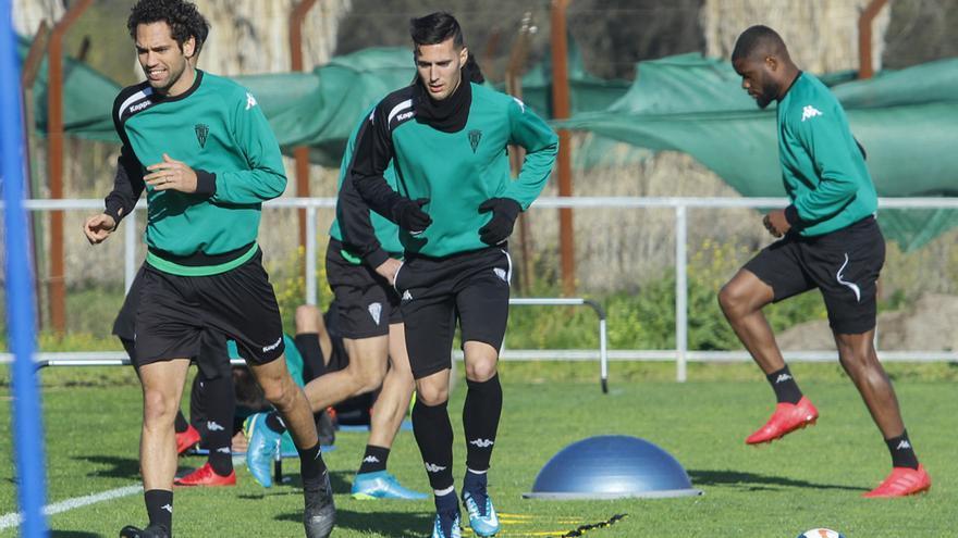 Quim Araujo, Guardiola y Bambock, en un entrenamiento | MADERO CUBERO