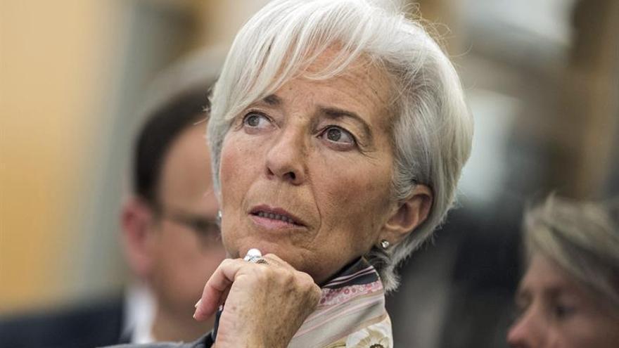 """El FMI rebaja al 2,1% crecimiento de España en 2017 por """"brexit"""""""