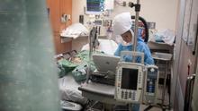 Primer día sin pacientes en las UCI, pero un nuevo fallecido