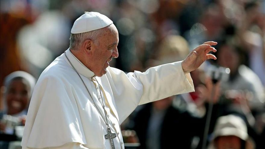 Papa alaba la labor de Italia en Mediterráneo y pide esfuerzo internacional