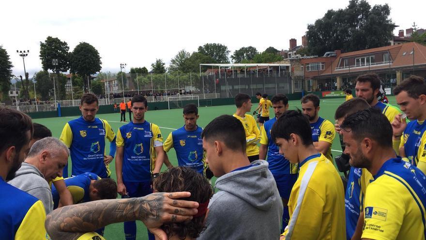 Los jugadores del Taburiente, en el campo RC Josaleta