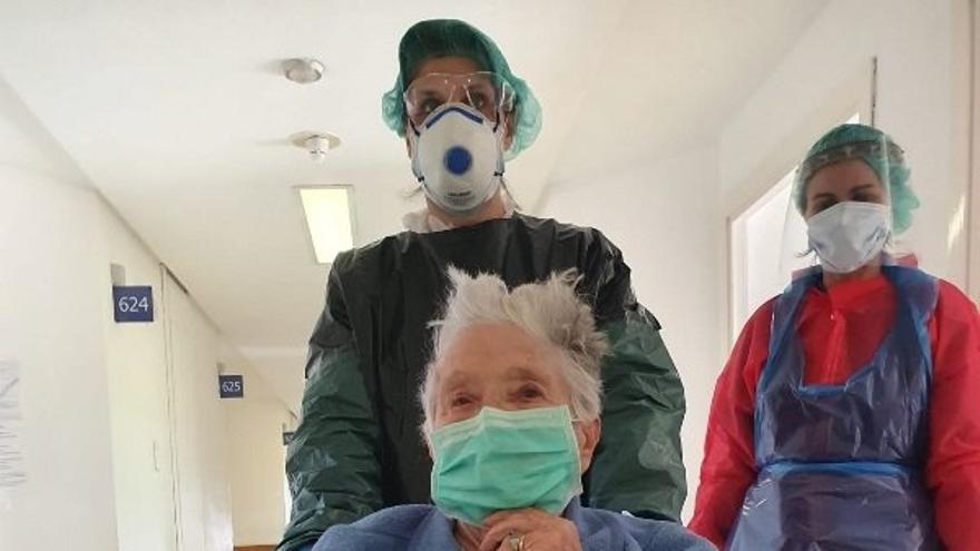 Paciente con coronavirus de 97 años que ha recibido el alta médica en Soria.