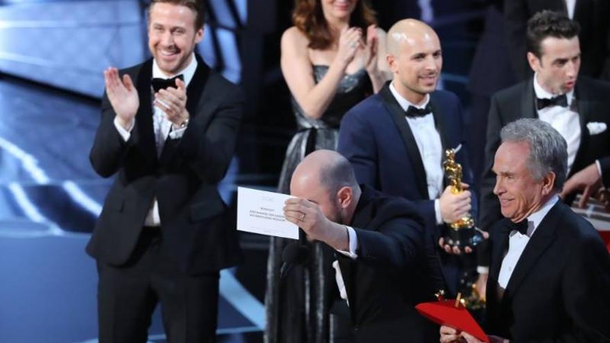Momento de la rectificación del error garrafal de los Oscar