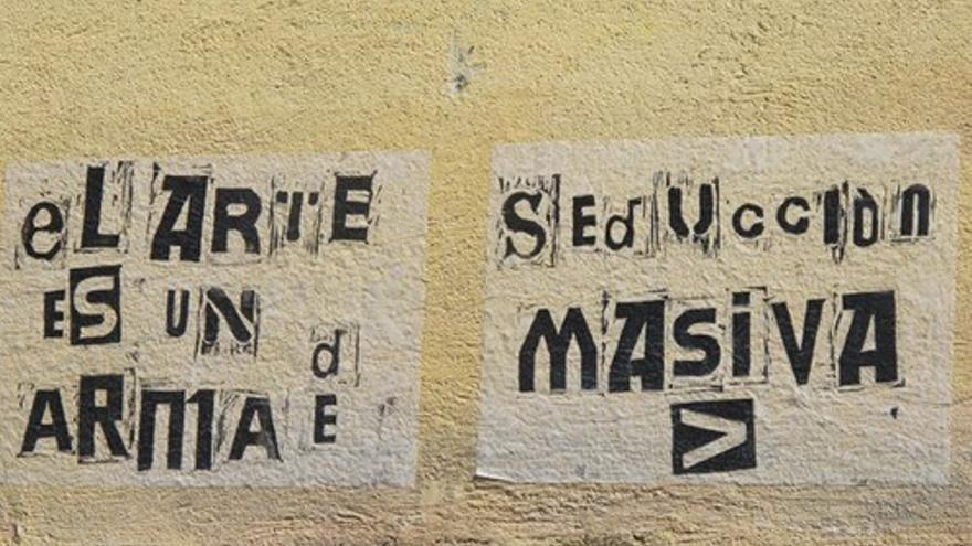 """""""El arte es un arma de seducción masiva"""", uno de los los lemas de la movilización"""