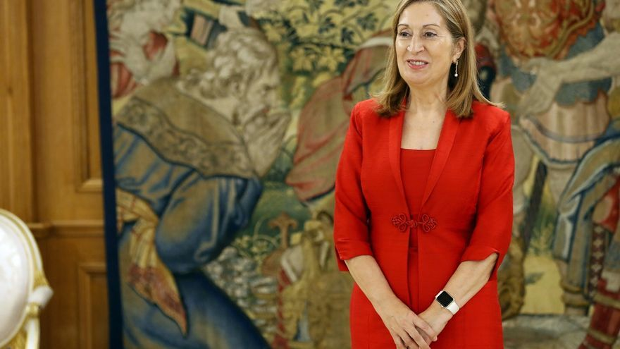 Ana Pastor admite que le gustaría que estuvieran todos los diputados y senadores en el día de la Constitución