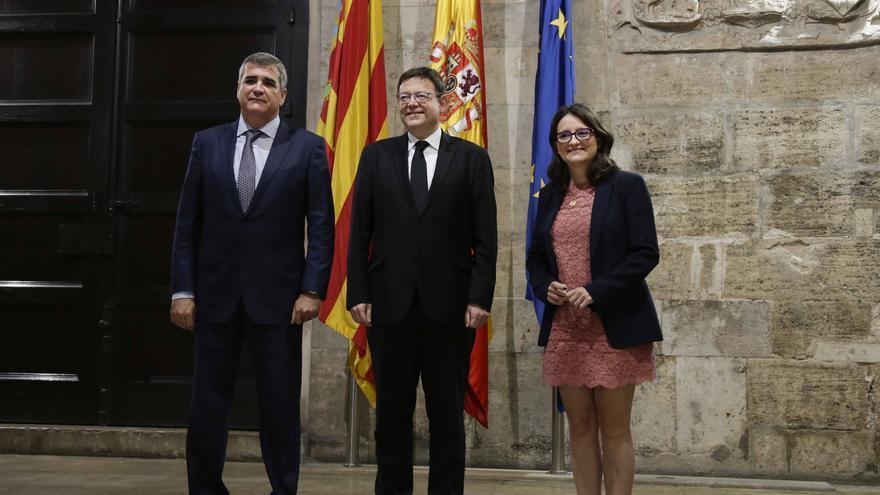 Adolfo Utor (Baleària),Puig y Oltra en el anuncio del flete de un barco para traer refugiados a la Comunitat Valenciana.