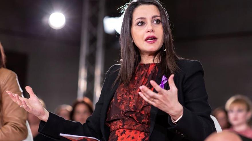 Arrimadas urge a Sánchez a declarar el estado de emergencia
