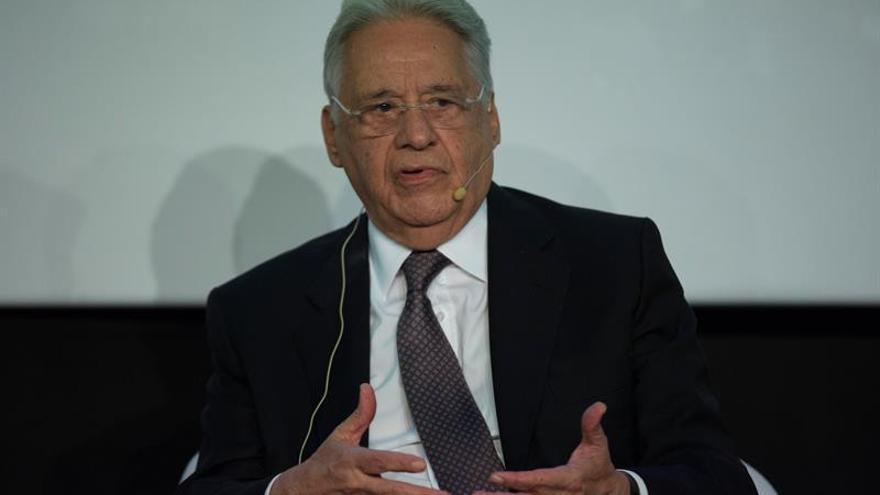 """Cardoso defiende la anticipación de las elecciones en Brasil para dar """"legitimidad"""""""