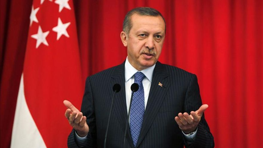 El fiscal turco cesado tras investigar la corrupción denuncia amenazas de Erdogan