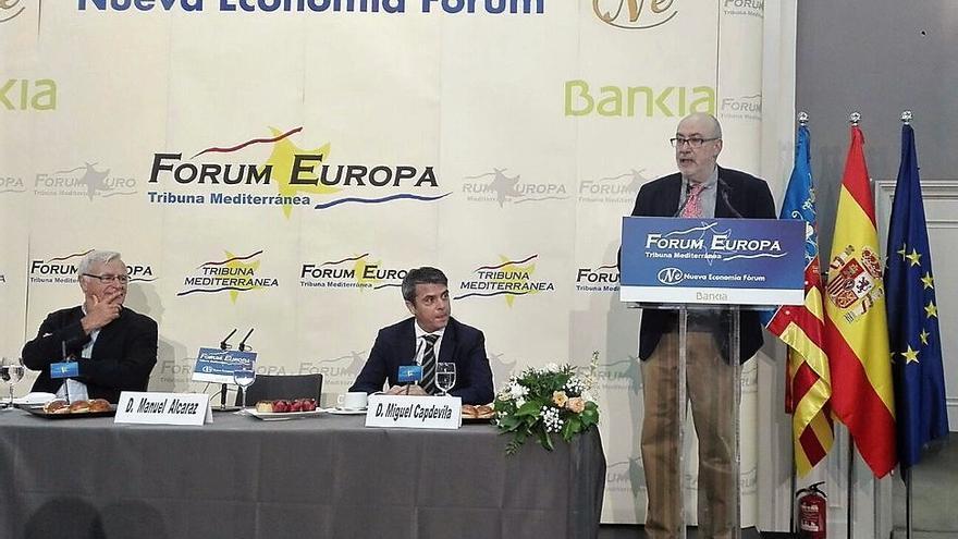 El conseller de Transparencia, Manuel Alcaraz, durante su participación en la Tribuna Mediterránea de Nueva Economía Fórum