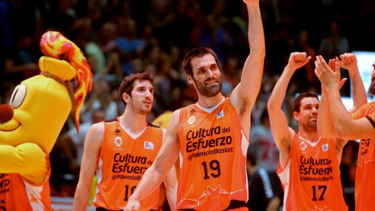 Fernando San Emeterio, con la camiseta del Valencia Básket