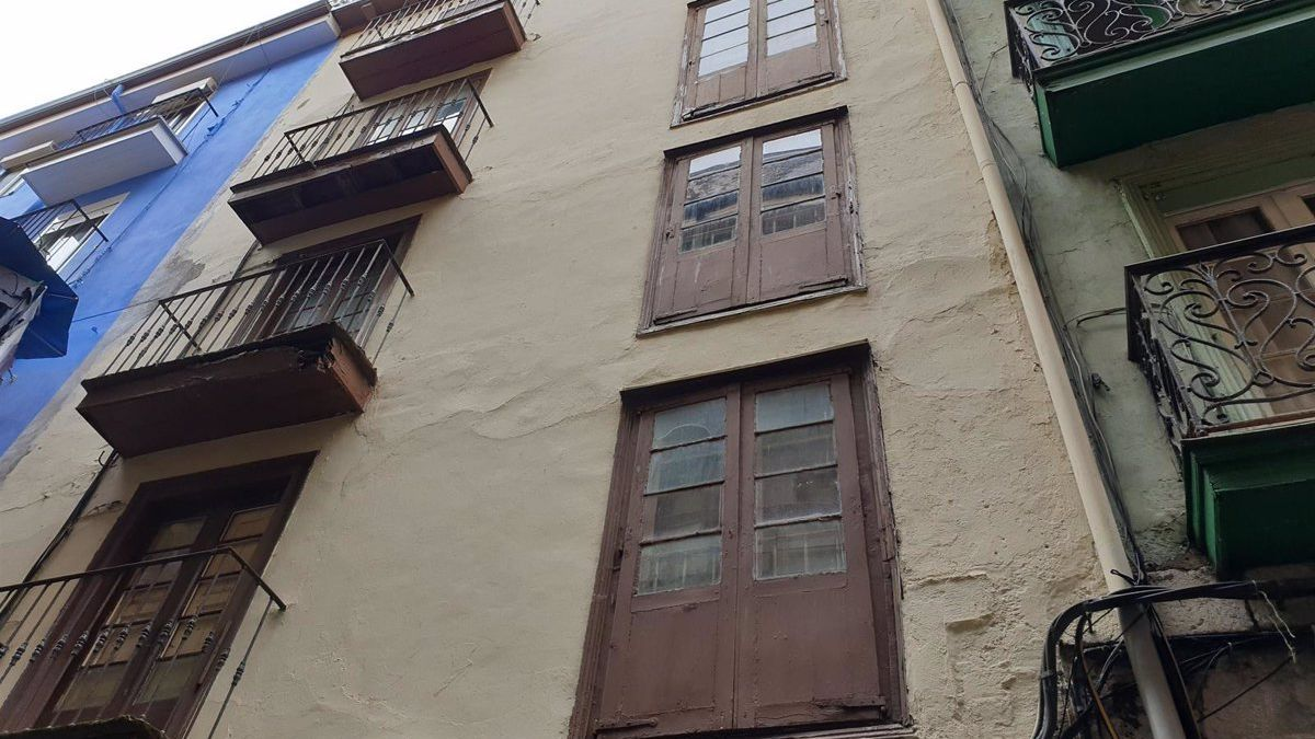 Viejo albergue de peregrinos de la calle Limón que será demolido para construir uno nuevo.