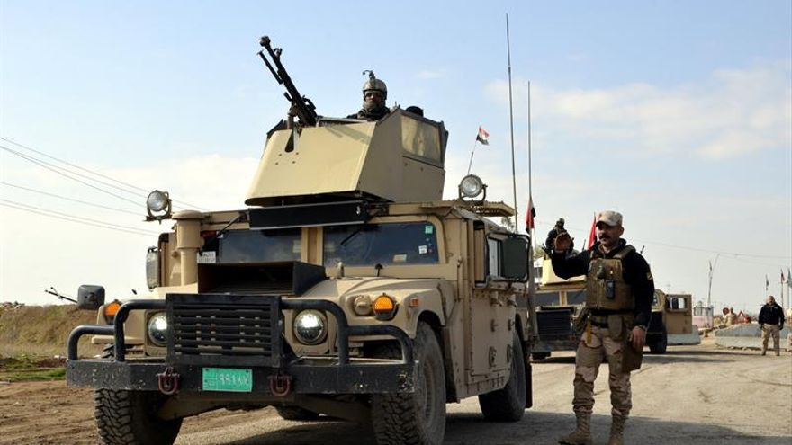 Las fuerzas iraquíes se hacen con el control del puente viejo de Mosul