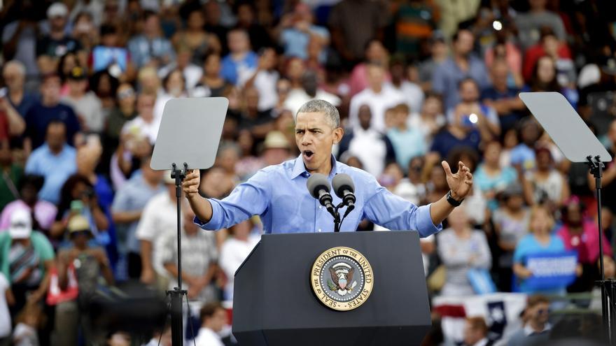 Obama en un mitin en favor de Clinton el domingo en Kissimmee, Florida.